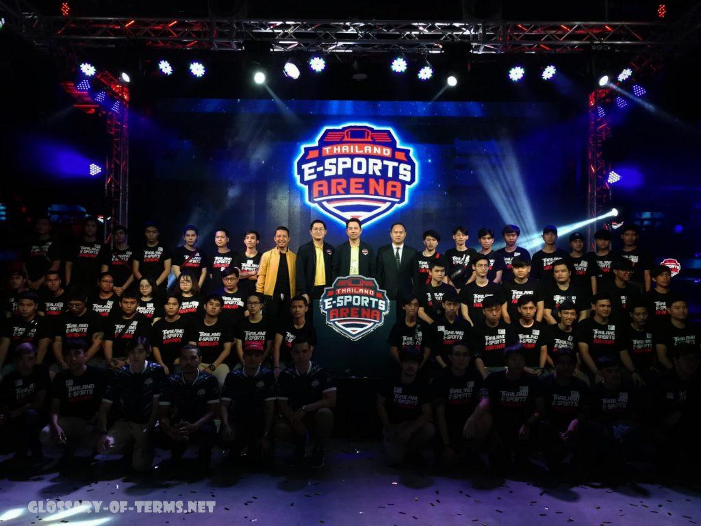 esport thailand จะมีโอกาสเติบโตก้าวเข้าสู่เวทีระดับโลกอย่างเต็มรูปแบบหรือไม่ ผมต้องขอกลับก่อนว่าในทุกวันนี้นั้นการแข่งขันหลายหลายอย่างที่เกี่ยวข้อง
